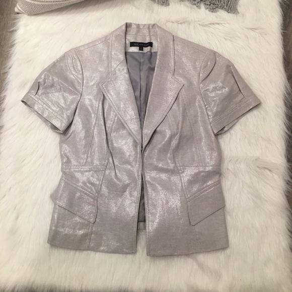 Anne Klein Jackets & Blazers - Anne Klein Silver Shimmer Short Sleeve Blazer 10